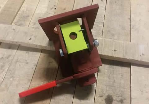 tilt tray twist lock